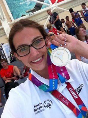 Huldiging Special Olympics zwemkampioene EsmeeAnne